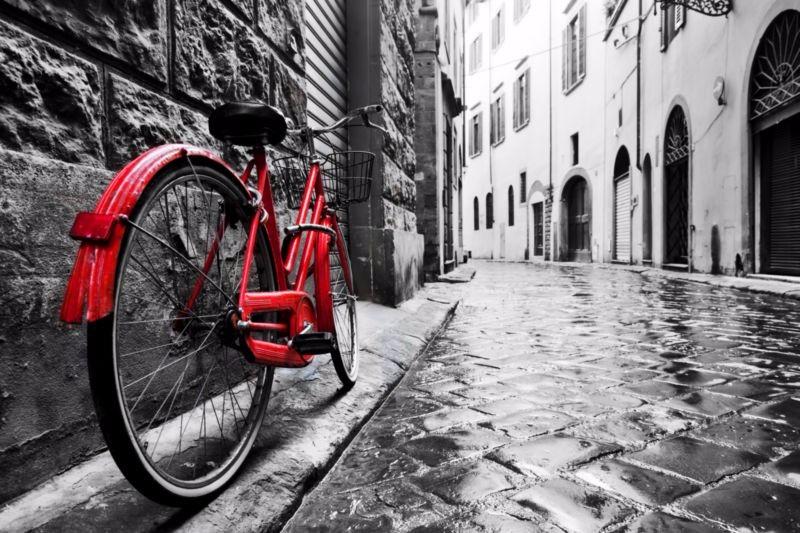 3D Фотообои «Красный велосипед на черно белой улочке»<br>kit: None; gender: None;