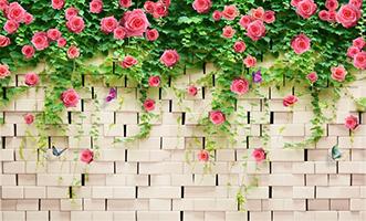 Кирпичная стена с цветами