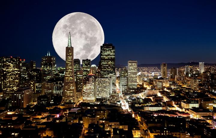"""Фотообои """"3D Фотообои  """"Суперлуние над ночным городом"""" """""""