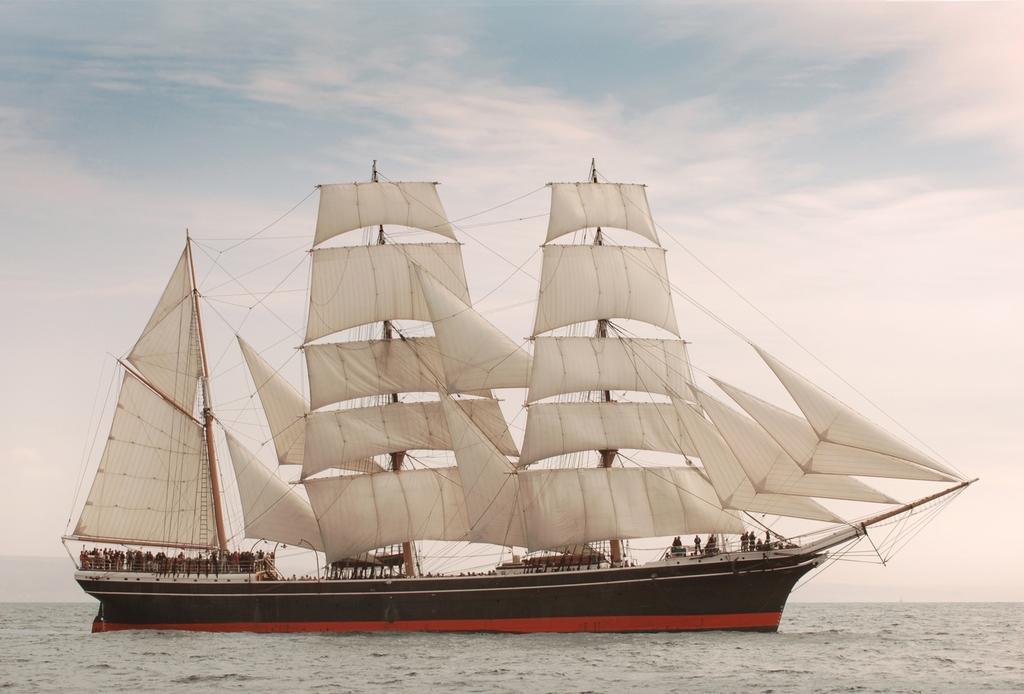 3D Фотообои  КорабльФотообои «Корабль» удивительнейшее построение человека, восхищающее своей величиной и формами. В доме создаст необыкновенную и очень стильную обстановку. Его парус и все элементы продуманы с идеальной точностью и исключительностью.<br><br>Размеры этого гиганта поражают. Вопреки своей громоздкости, выглядит очень изящно, плавно рассекая по воде. Ход его настолько легкий, что кажется несут волны эту махину сами. Ловкими движениями он огибает рифы и все препятствия на своем пути с грациозным видом.<br><br>Изображение корабля на стену — это шедевр, с помощью которого вы сможете обеспечить индивидуальный и необычный стиль в вашей комнате. Создавайте идеи и воплощайте их в реальность вместе с оригинальными обоями изготовленными специально для Вас.<br>kit: None; gender: None;