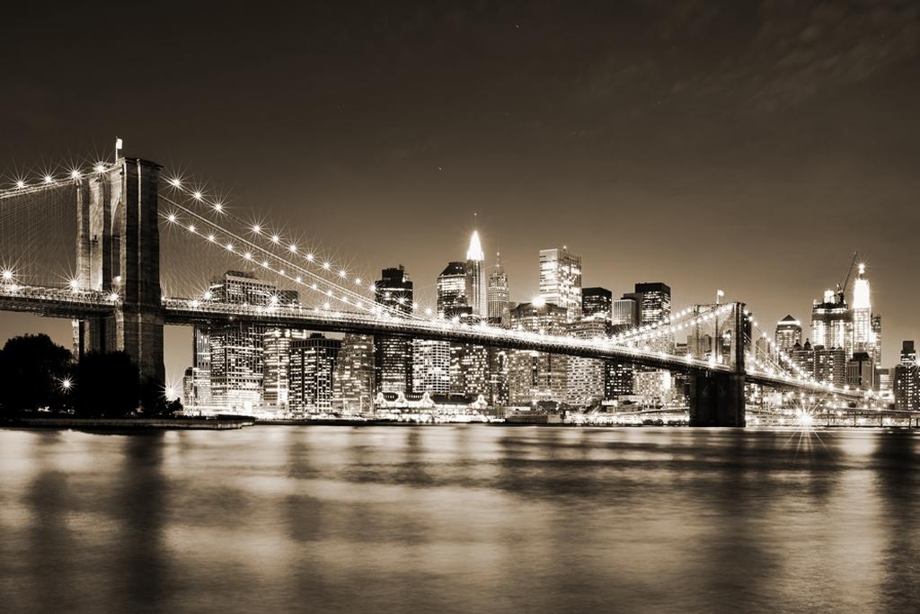 3D Фотообои Бруклинский мост сепияБруклинский мост – один из самых знаменитых мостов в мире. Он стал символом Америки, когда еще не было Статуи Свободы. В 19 веке мост протяженностью 1825 метров стал воплощением чудес инженерии, гигантские столбы, устремленные над водой ввысь на восемьдесят четыре метра, являются удивительным зрелищем.<br><br>Этот мост настолько прочен, что способен выдержать огромную нагрузку, которую создают проезжающие по нему ежедневно 145 тысяч машин.<br><br>3д Фотообои Бруклинский мост отражают монументальность, и чудо инженерной мысли. Станут отличным и уникальным дополнением для Вашего интерьера.<br>kit: None; gender: None;