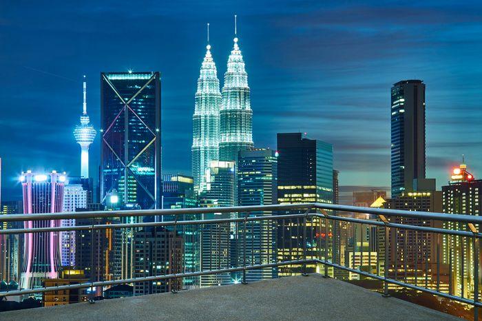 3D Фотообои «Вид  с  балкона на ночной город»