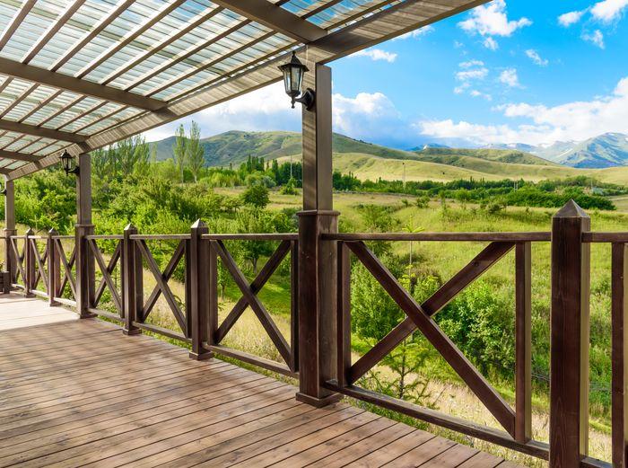 3D Фотообои «Терраса в долине с видом на горы»